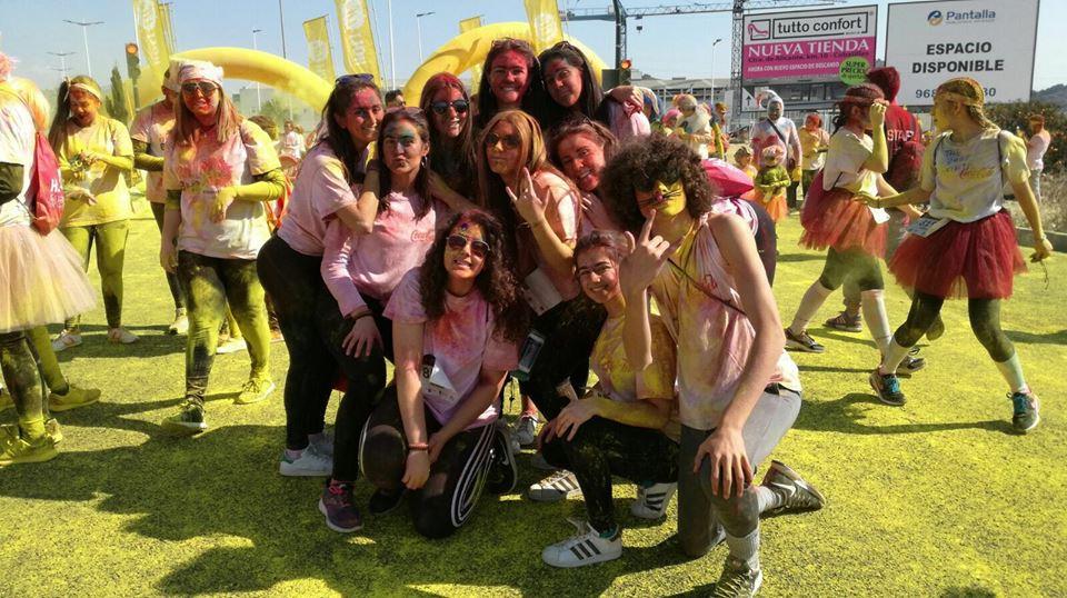 Un grupo de jóvenes de Abarán asistió a la Holi Run de Cabezo de Torres