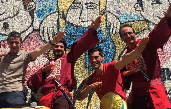 Alumnos del IES Villa de Abarán rinden homenaje a su profesor Iris Matamoros por su actuación en el programa 'Ninja Warriors'