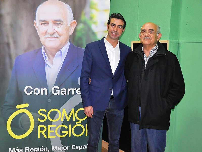 Juan Miguel Molina Vargas, candidato a la alcaldía de Abarán, junto al presidente de Somos Región, Alberto Garre.