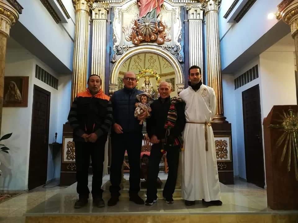 El Niño Jesús visita a nuestra patrona la Virgen del Oro. In memorian de D. Antonio Yelo.