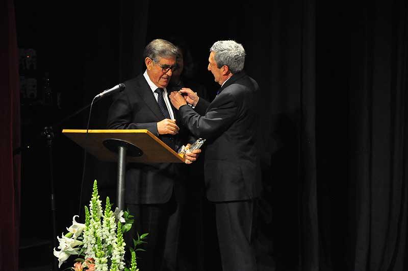 Pedro Sánchez y presidente de la JHPA