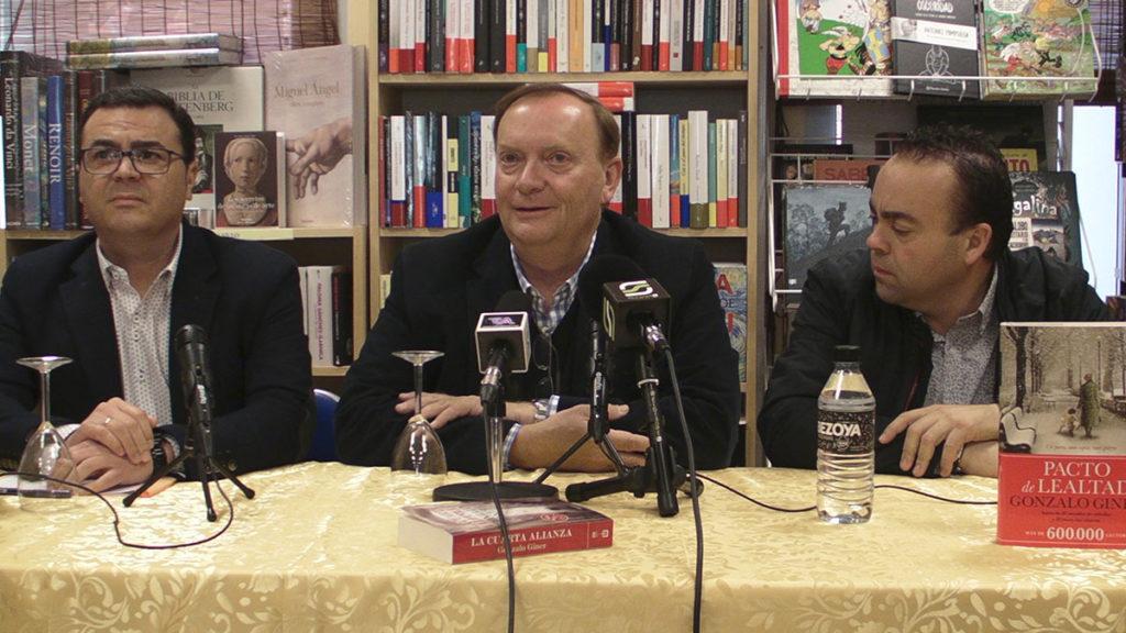 Encuentro-con-Gonzalo-Giner-en-Librería-Victorio-Lucas-02