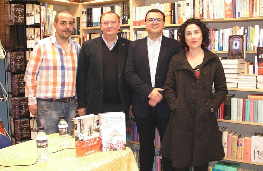 Encuentro-con-Gonzalo-Giner-en-Librería-Victorio-Lucas-03